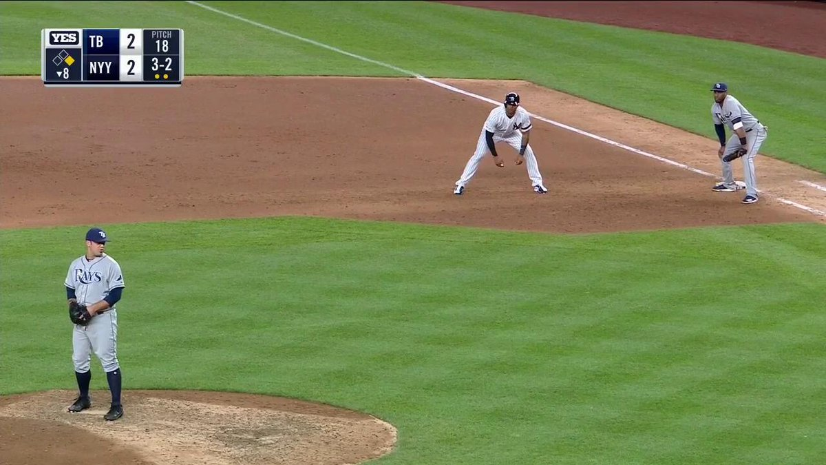 EDWING! His 2nd HR of the night gives the Yankees the lead! (via @YESNetwork)