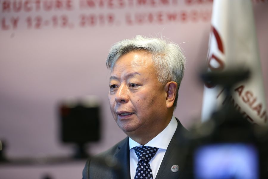 The Asian Infrastructure Investment Bank (#AIIB) expands its membership to 100 with the approval of the African newcomers of Benin, Djibouti and Rwanda. It reflects international communitys confidence in #AIIB, says #AIIB President Jin Liqun xhne.ws/E2UJ1