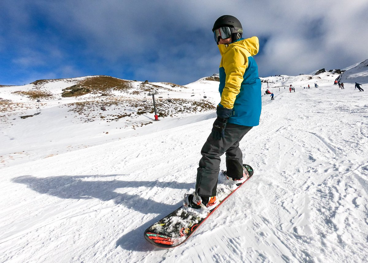 Had such an epic time riding up at @CardronaNZ on a bluebird day. Sun was out, everybody was smiling and snow conditions were great. Can't wait to come back later this week! Do you snowboard or ski? Or both? 🏂⛷@KathmanduGear