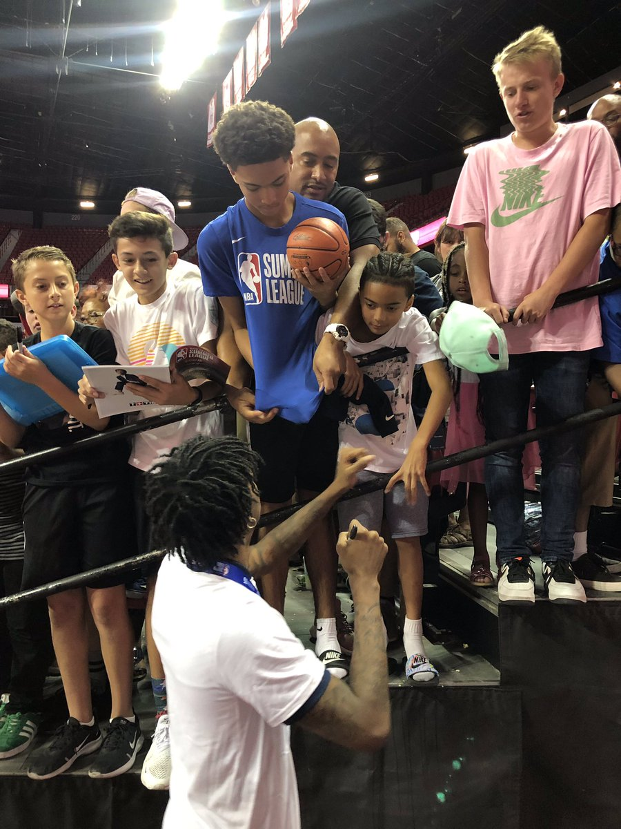 Autographs from Ja