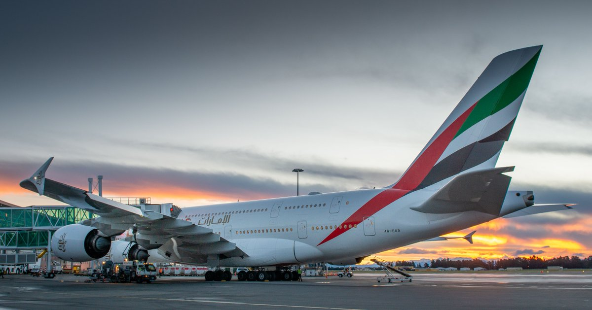 ✈🌅Sunsets are always better when theres an @emirates #A380 involved.