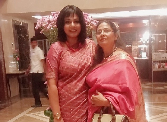Hah, ok guys, so here's my joint entry with mum for #SareeTwitter. Chennai. March 2019. #Twinning #MomandMe (Might delete later 😹🤣😋)!  P.S. If you were clueless what hair they were doing back in the 80s, check mine!
