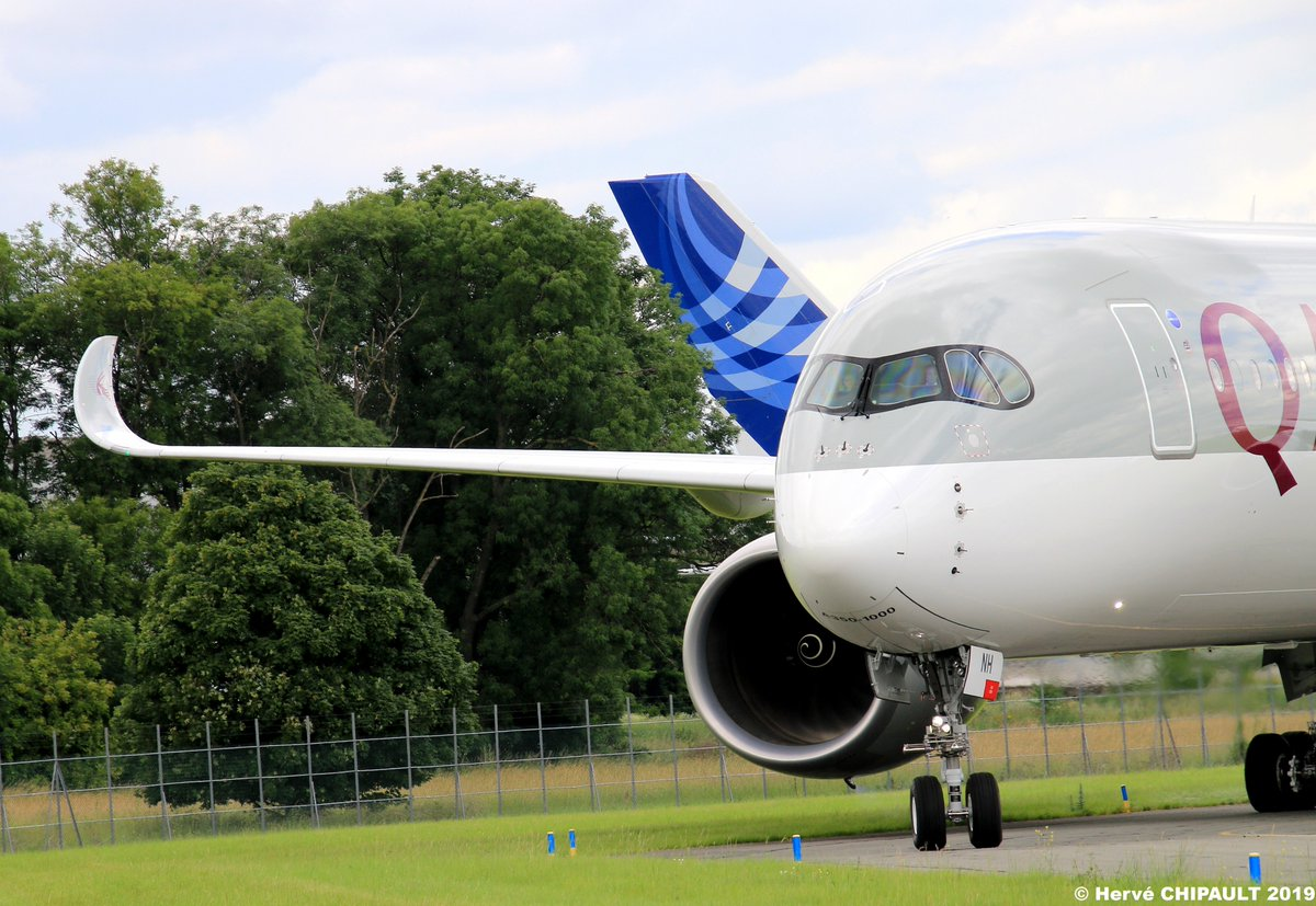 Airbus A350-1000 @QatarAirways Immatriculé A7-ANH @salondubourget à @ParisAeroport @Airbus   @FanaAviationMag @passiondesavio2  @aeroactu   @AvgeeksFR @Reve_dIcare @hydra_66 @parisairshow  #ParisAirShow2019 #ParisAirShow  #PAS19 #SalonDuBourget