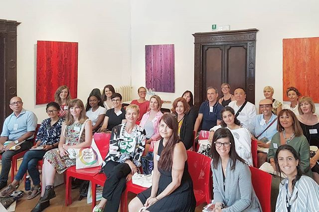 Thanks to @european_cultural_academy and to all the attendees of the #ConteporaryoraryArt course who took part at my #lecture in #Venice. We discussed about the importance of the #keywords to summarise concepts, different typologies of text, #DemocracyOf… https://t.co/JE9EXnu1BV