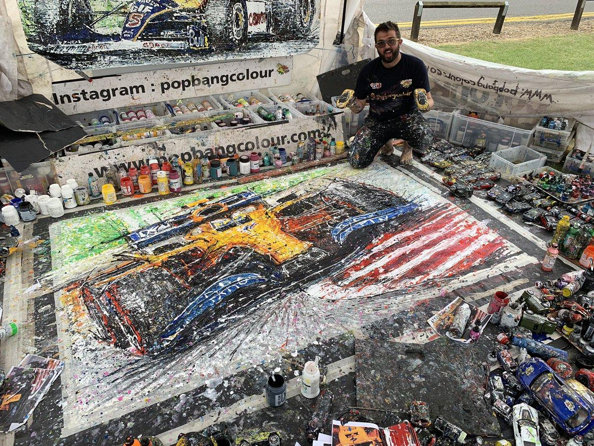Ciekawostka: Znacie gościa? https://twitter.com/Popbangcolour Maluje samochody samochodzikami.  Tak, MALUJE SAMOCHODZIKAMI!!! Obserwuję go już od jakiegoś czasu, pomysł genialny, wykonanie rewelacyjne. Gorąco polecam 👌😎 #ElevenF1 #F1 #Formula1