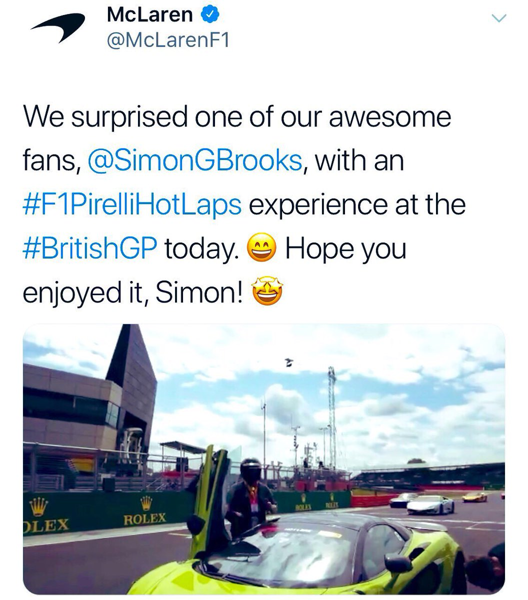 If I was able to pin both these tweets, I would! It makes me choke up looking back at these amazing experiences the team have surprised us with, I can't thank @McLarenF1 and all those involved enough for making dreams come true 🤝 #McLarenPlus #McLarenPlusPapaya #F1PirelliHotLaps