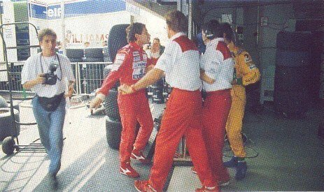 Ayrton Senna (McLaren-Honda) & Michael Schumacher (Benetton-Ford) exchange views following an incident during testing at Hockenheim. 16th July 1992. #F1   https://www.independent.co.uk/sport/motor-racing-testy-times-for-senna-and-schumacher-1533774.html?amp …