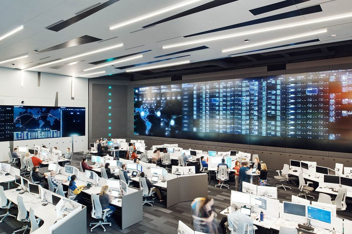 I was unaware that #Microsoft had an Azure Command Center like NASA rocket launches! So who's going to invite me for a visit? 🤓Source from this article: https://www.bloomberg.com/news/features/2019-05-02/satya-nadella-remade-microsoft-as-world-s-most-valuable-company…