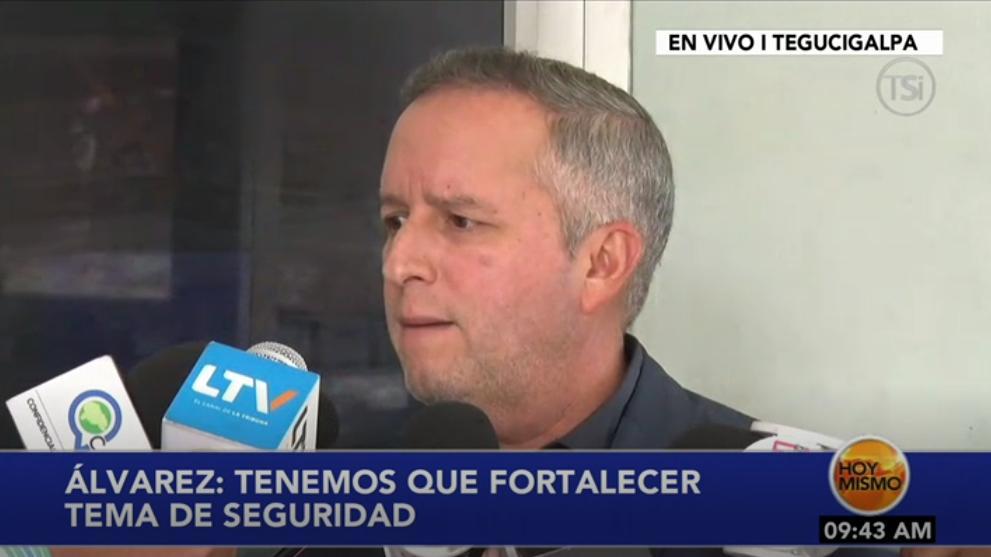 """#HoyMismo #PrimeraEdición Ricardo Álvarez: """"En estos momentos ya tendría que estar funcionando el Trans-450."""""""