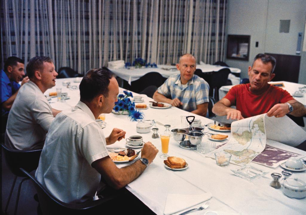 Good morning! Ready to go to the Moon... but first, breakfast. 🍳 🍞 ☕ #OTD 50 years ago, Apollo 11 astronauts Neil Armstrong, Michael Collins and Buzz Aldrin enjoyed a pre-launch meal at @NASAKennedy before suiting up for the mission. Liftoff was at 9:32 am EDT. #Apollo50th