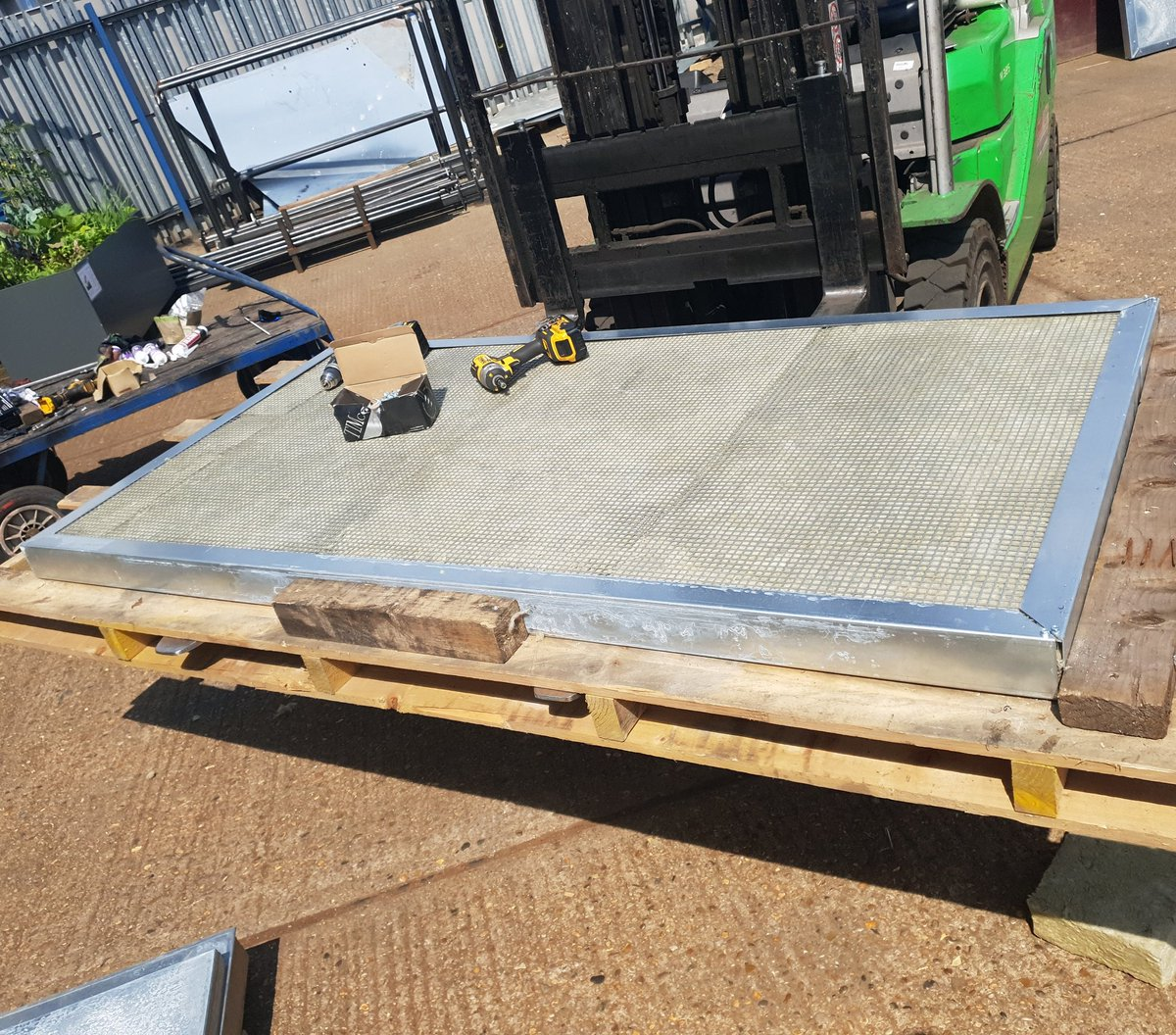 Acoustic Panel Assembly by the Rebel Fabrications Team #rebelfabrications #acoustic #noise #noisecontrol #structural #construction #steel #fabrication #london #architectural #crane #installation #rebelstrength #acoustics #neighbours #happy http://rebelstrength.co.uk