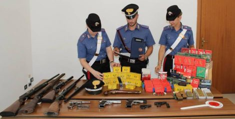 Deteneva illegalmente in casa armi e munizioni, arrestato un 57enne - https://t.co/wvcNgHvZvq #blogsicilianotizie
