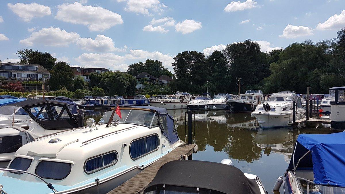 A fab day to be training on the #Thames out of Walton Marina. @TingdeneMarinas #walton #shepperton #RYA #boatlife