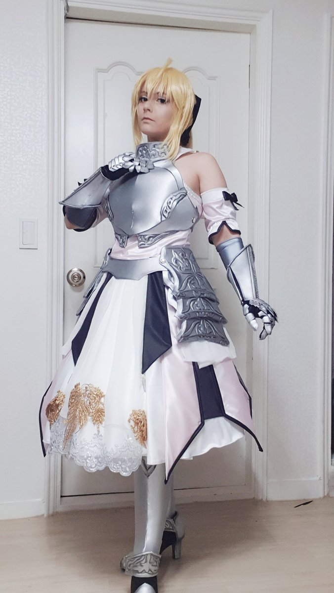 I finish my #SaberLily #cosplay today  I feel free!!  I'm not so happy with my wig, so I have to work on it more (or new ) and the sleeves must be new too, but for the upcoming event 2 days later, it will be work  #Fate #Saber #FGO #SelfMade #fgoコスプレ<br>http://pic.twitter.com/d2GyNJ9oBS