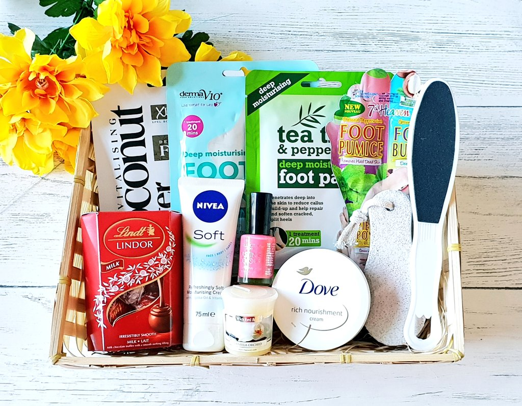 Check out our Facebook comp to win a gorgeous Footcare Hamper! #footcare #pamperhamper #Competition #PrizeDraw #CompetitionTime   https:// m.facebook.com/story.php?stor y_fbid=2469362829773380&id=1208614495848226  … <br>http://pic.twitter.com/Jxkw5ooYsQ