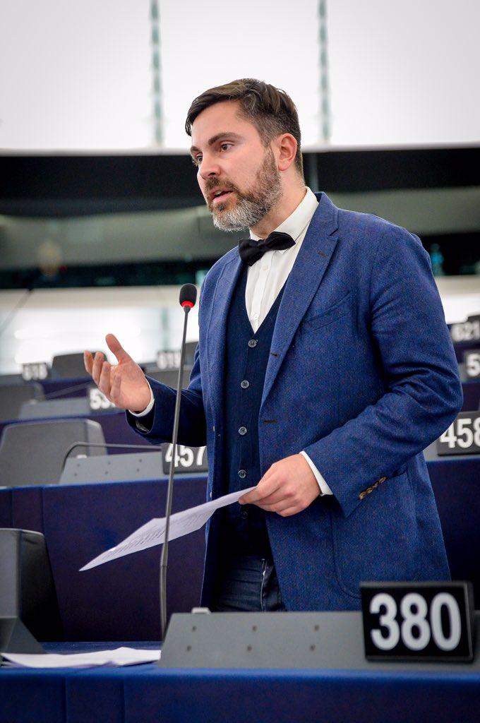 Ich appelliere an meine früheren Kollegen des EU Parlaments. Nicht eine Stimme gegen #vonderLeyen vertieft die Krise der #EU aber die Zustimmung. Nur ein Nein zu dieser Tragödie entspricht der Verantwortung des Parlaments gegenüber den EU Bürgern.