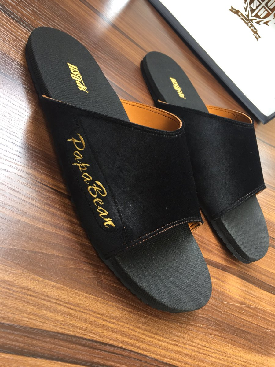 For just a token of #10,000 you can order these for HIM & HERS. Customized to however way you wish with names or initials call or WhatsApp  08068722472 WhatsApp available  #handmade #bespoke #slides #velvetslides #custommade #colors #comfort #madeinnigeria #pamsbypushxclusive