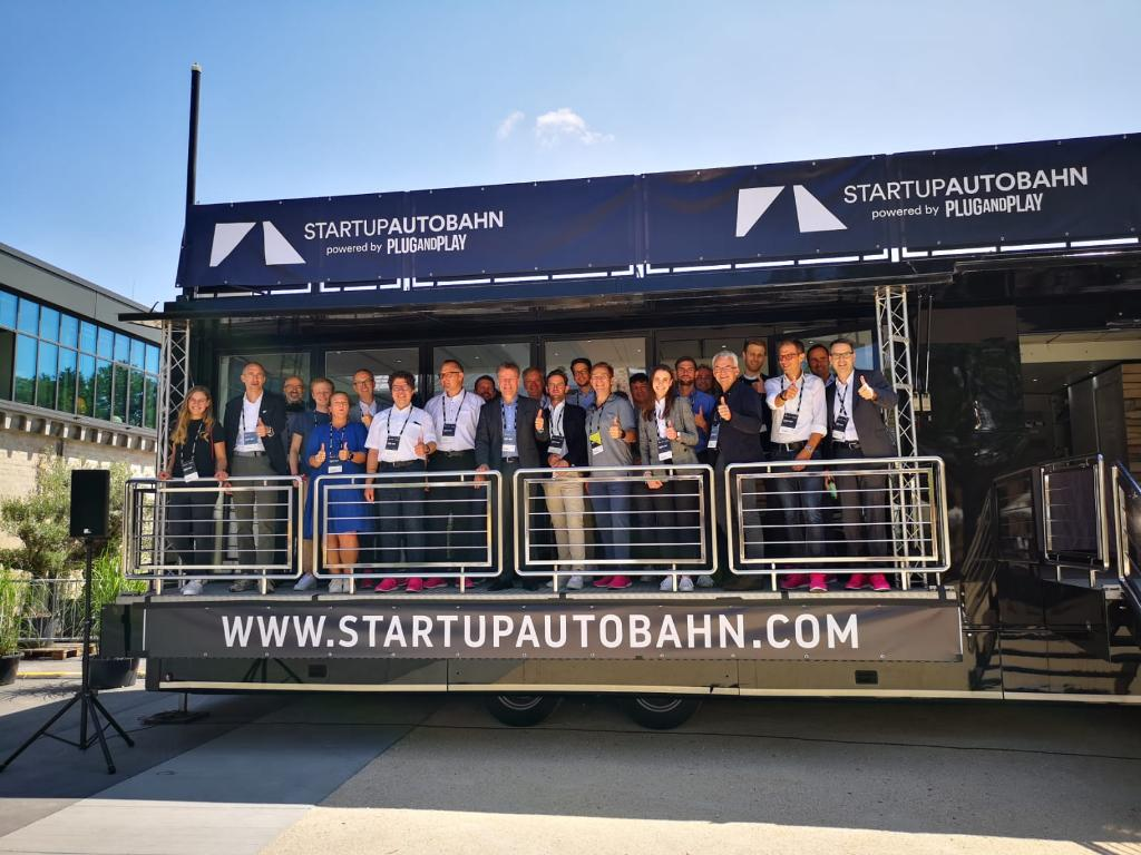 Social Media Post: Starker Partner für Start-ups: T-Systems feiert 100 Tage...