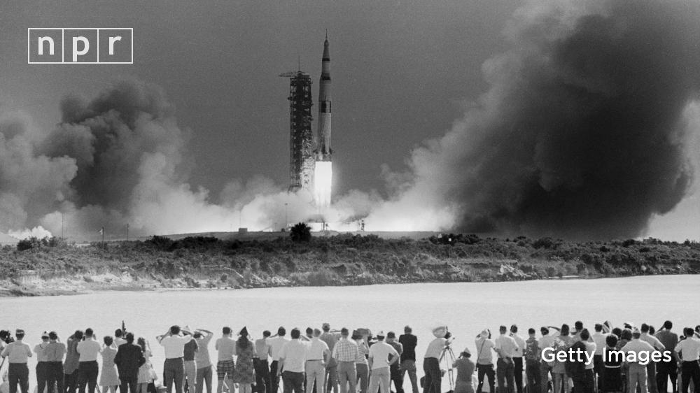 At this time 50 years ago, millions watched the Saturn V rocket launch Apollo 11 astronauts to space, hoping to complete a crewed moon landing. 🚀#Apollo50th