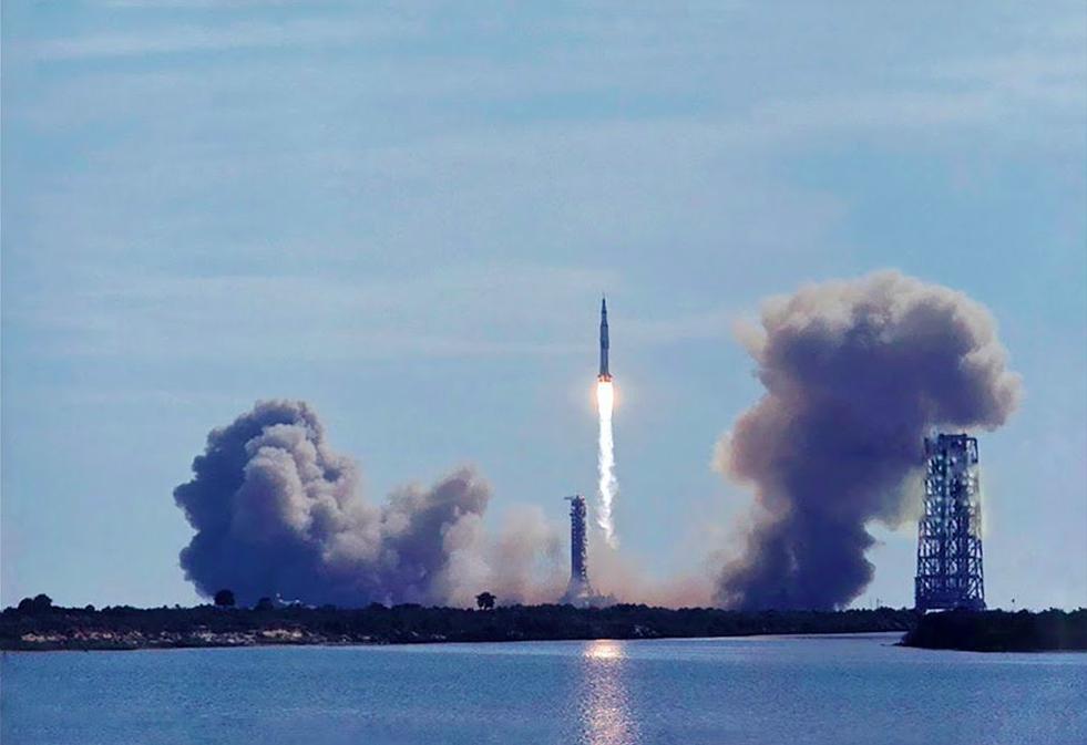 apollo 16 launch - 981×673