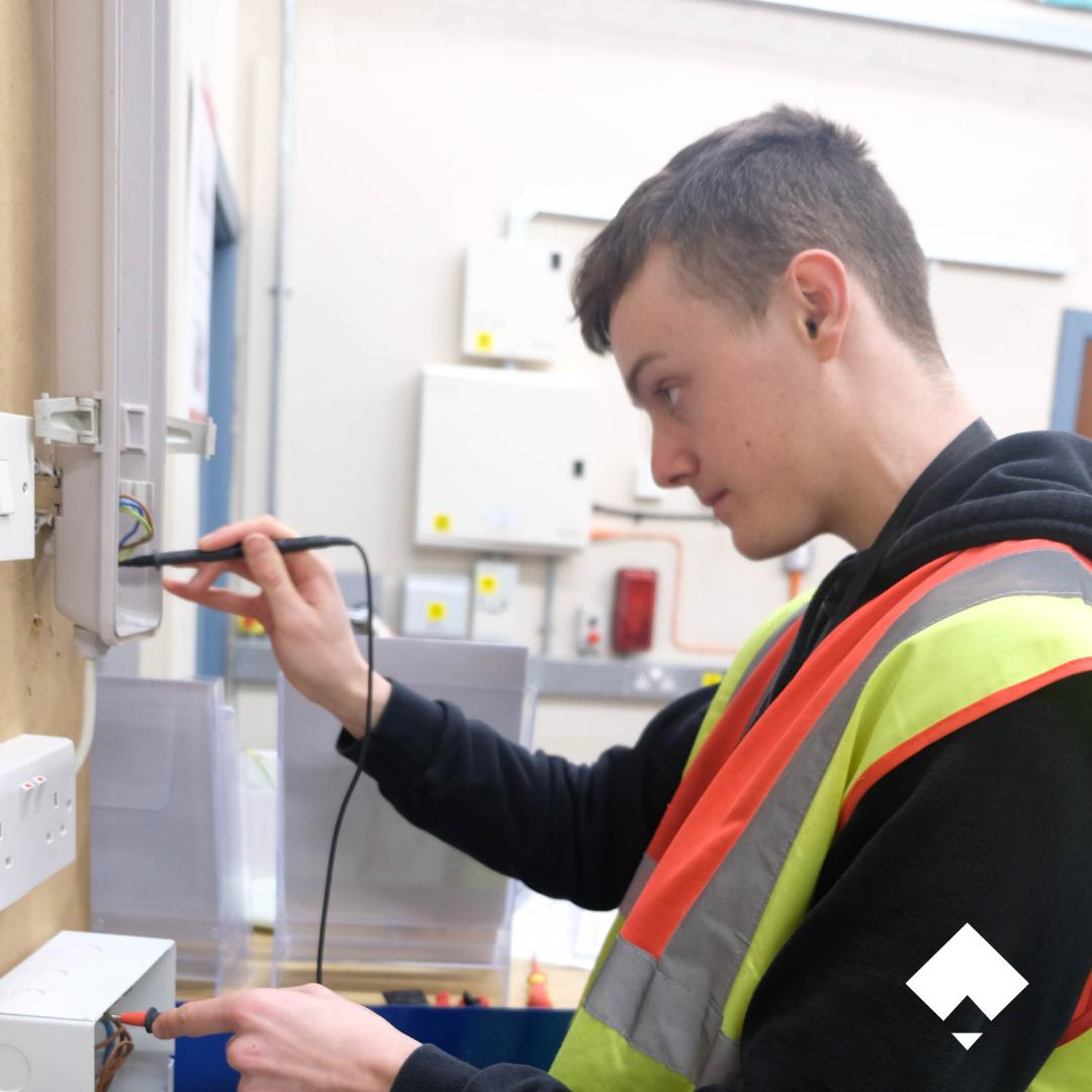 Power your future with an electrical course at City Skills. We offer courses for both adults and school leavers. Get in touch for more info #Manchester #Salford #College #Trade #Skills