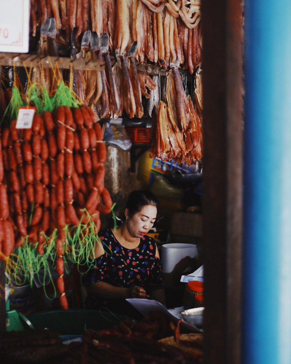 Who else loves exploring markets in new places? Follow @joinwayv for more! 🌏 https://instagram.com/joinwayv #joinwayv #travel #travelphotography #vacation