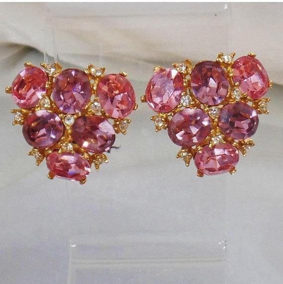 Large Clip Earrings. #Vintage Earrings. Ciner Pink Purple Rhinestone Earrings. Designer Earrings. Ciner Earrings.  waalaa. #antique #shopping #jewelry #jewellery #gifts #wedding #etsy http://jto.li/bqmLP