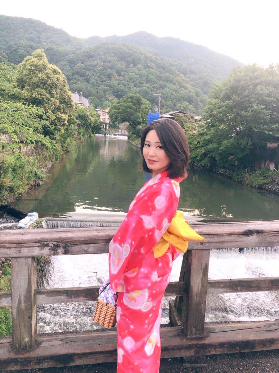 浴衣、こんな感じなんですけど・・ 少し子供っぽいですよね?(*´エ`*)💦   #京都 #嵐山 #浴衣コーデ
