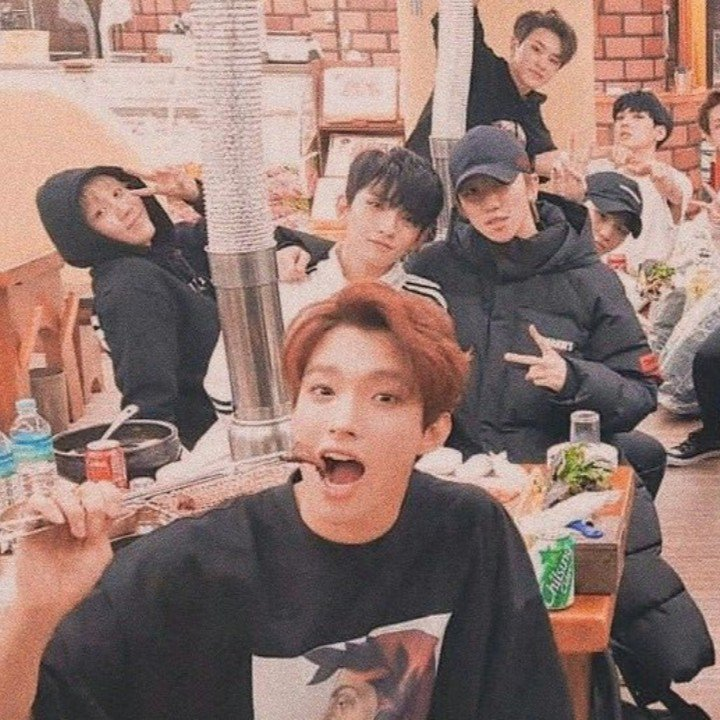 looking for mutuals!! i'm a new carat, let's be friends!!! i srsly regret that i didn't stanned them earlier, all of them are worth-stanning for :---(((  ✧・゚: *・゚: *✧   s.coups jeonghan joshua jun hoshi wonwoo woozi dk mingyu the8 seungkwan vernon dino <br>http://pic.twitter.com/UHHAuMuVNs