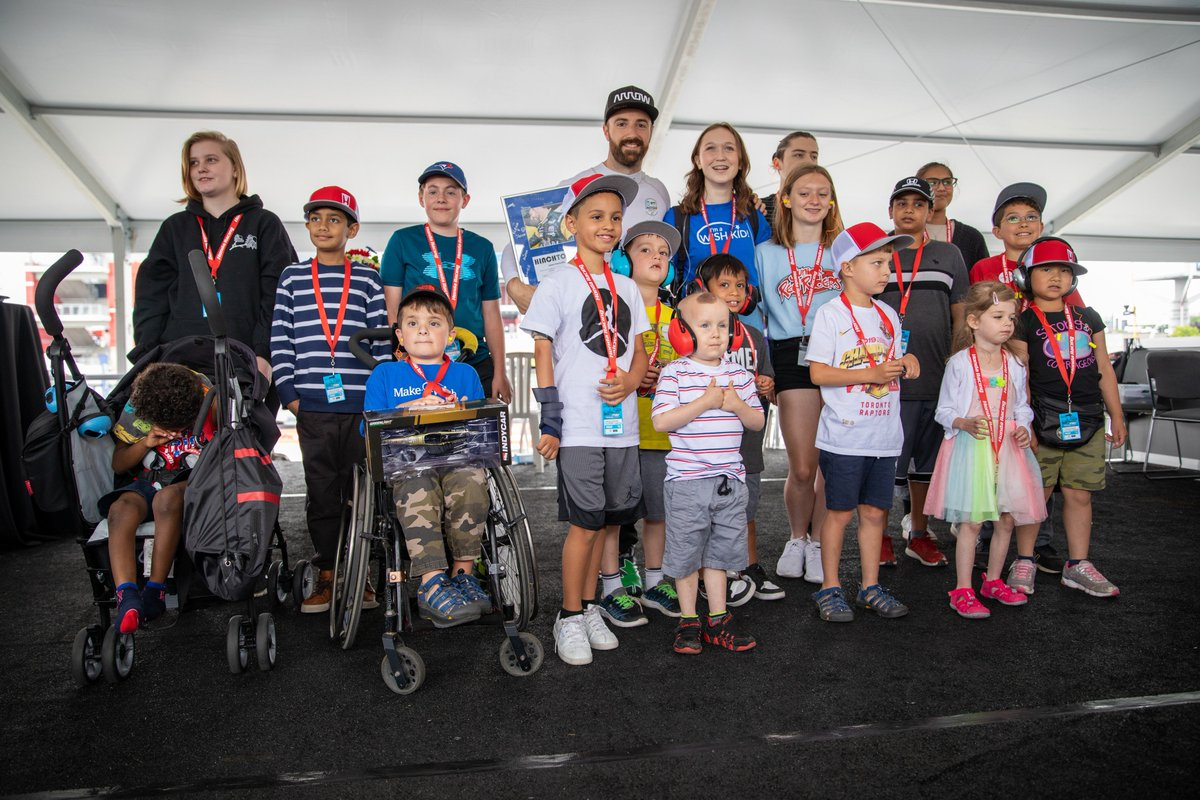 Proud to announce that our #HondaCanadaFoundation raised over $120,000 for @MakeAWishCA as part of this year's @HondaIndy! Thank you to all the racing fans who helped make this possible with their online donations and participation in #FanFriday. ❤ bit.ly/2SgKiBt