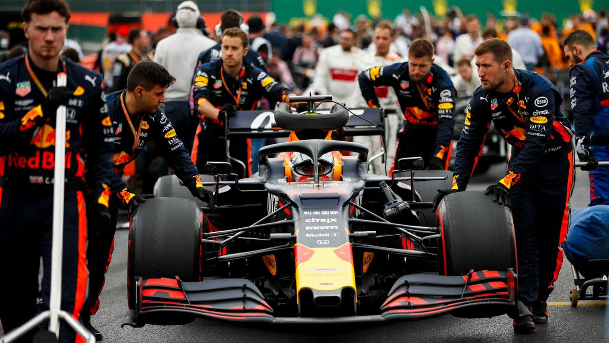 TECH TUESDAY: The tiny change that is pushing Red Bull closer to pole  https://www.formula1.com/en/latest/article.tech-tuesday-the-tiny-change-that-is-pushing-red-bull-closer-to-pole.52iwrRRA0kNMfNjxNhdQkm.html…  #F1 #MaxVerstappen #BritishGP