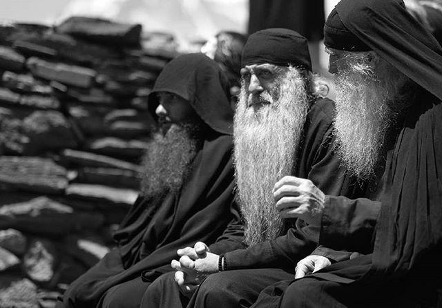 Georgian priests socialising outside Gergeti Trinity Church, Kazbegi. #kazbegi #georgia #georgian #caucasus #travel #christian #priests #blackandwhite #monochrome #monochromatic #bw #natgeotravel #natgeo #igtravel #instatravel #lonelyplanet #theglobewand… https://ift.tt/2jHmPMM