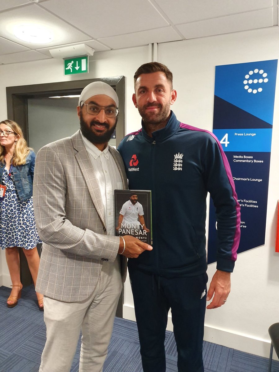 Liam Plunkett @Liam628  cross seam specialist has taken more wickets than any  fast bowler in the middle overs hidden gem 4 Eoin Morgan @Eoin16 @englandcricket @HomeOfCricket @TheBarmyArmy @WhiteOwlBooks @penswordbooks @media_back #CricketWorldCupFinal #CricketWorldCup #CWC19<br>http://pic.twitter.com/zrKik5SjmA