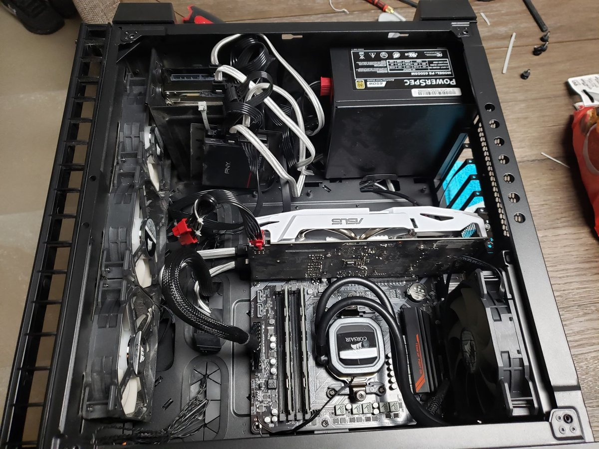 Playing around inside my computer with some cable management seeing what i want to change! Lets see those Rigs!!! #CustomPC #PCGaming #Shadow_Guild