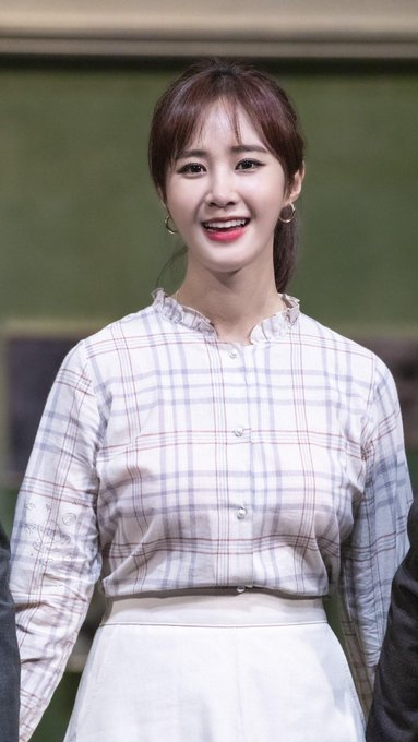 [PHOTO] 190615 Yuri - Musical Venue D_ms94NU4AAmk9F?format=jpg&name=small