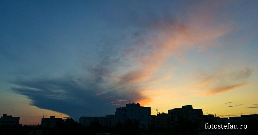 Great evening in Bucharest #Romania #clouds #sunset #privestecerul