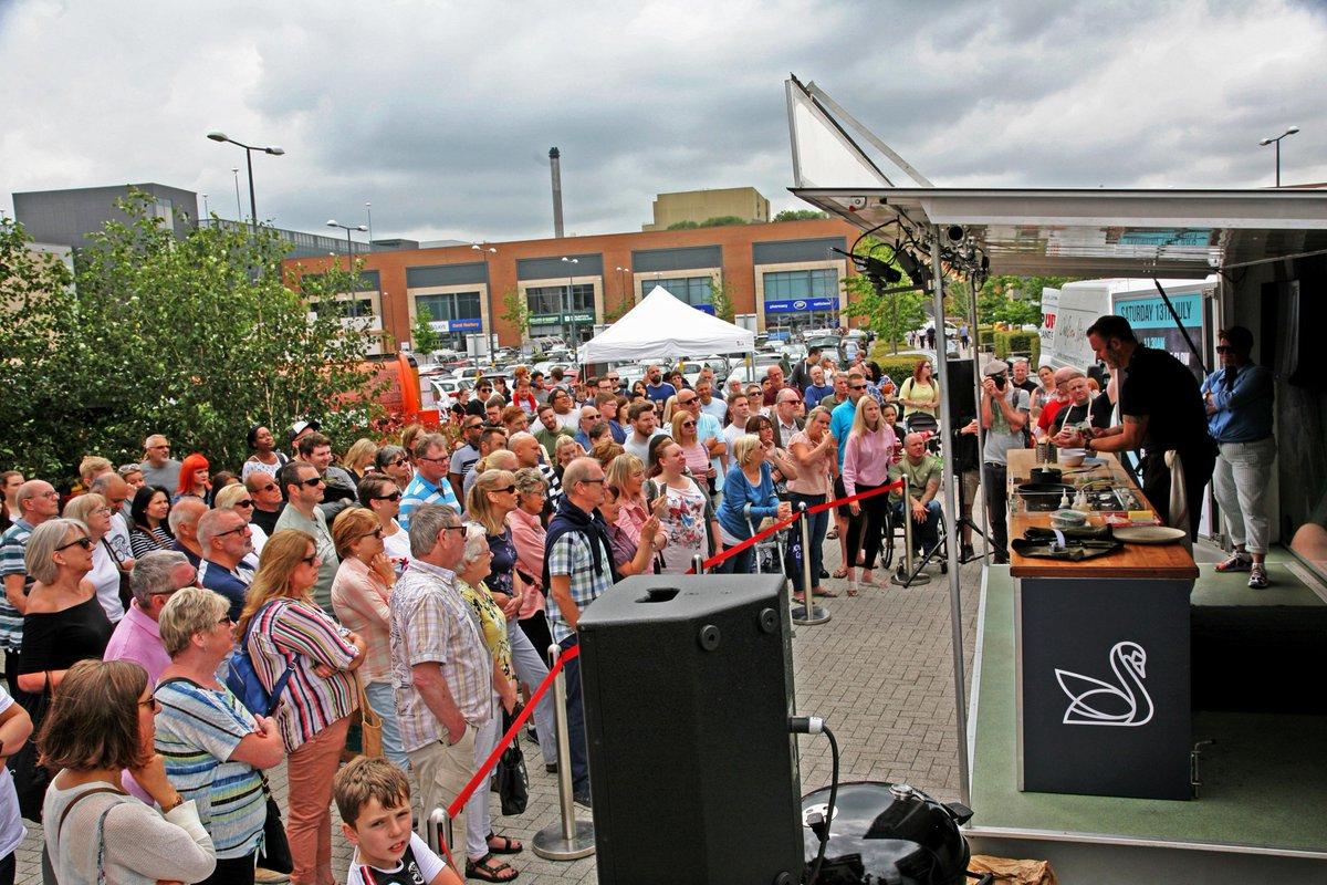 HDK organised a live Gynn Purnell cooking #event in Longbridge! The crowd love it! @yummy_brummie https://t.co/EvHHRmORNS