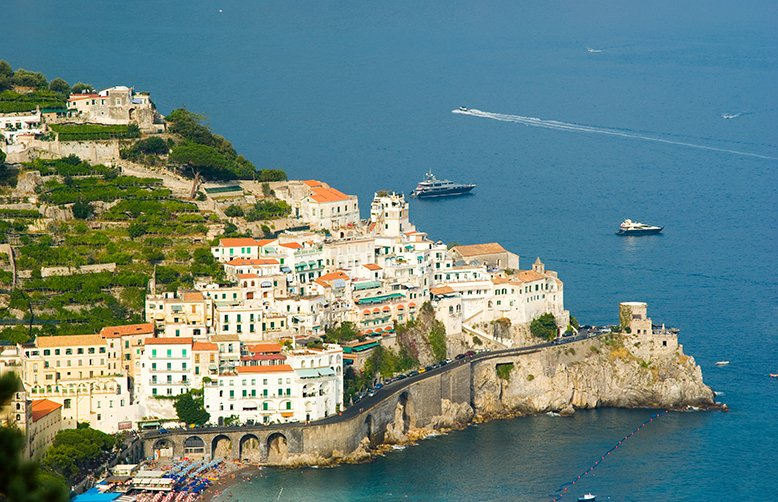 #Atrani, in #Italy which inspired a number of works of the Dutch artist, M.C. Escher #travelinspires https://t.co/4yVB1wZNji