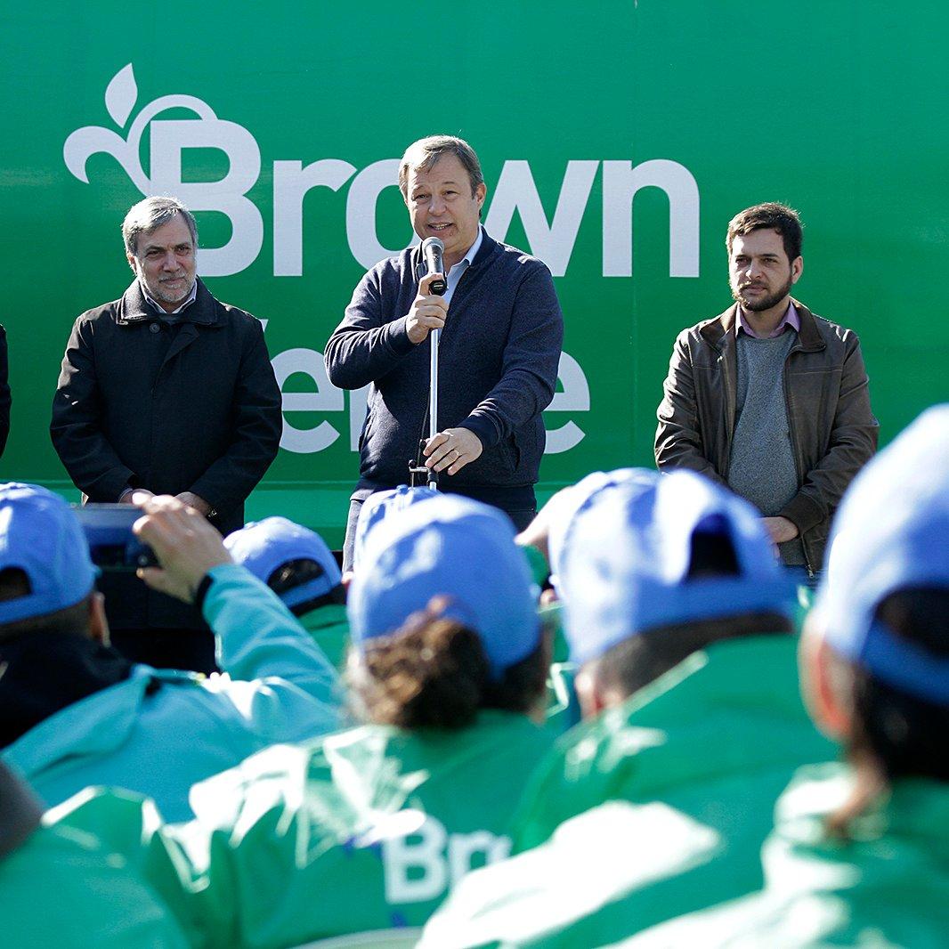 Hoy presentamos #BrownVerde un programa que tiene como objetivo cuidar el medio ambiente de forma proactiva y responsable junto a nuestra comunidad. #TodosSomosBrown