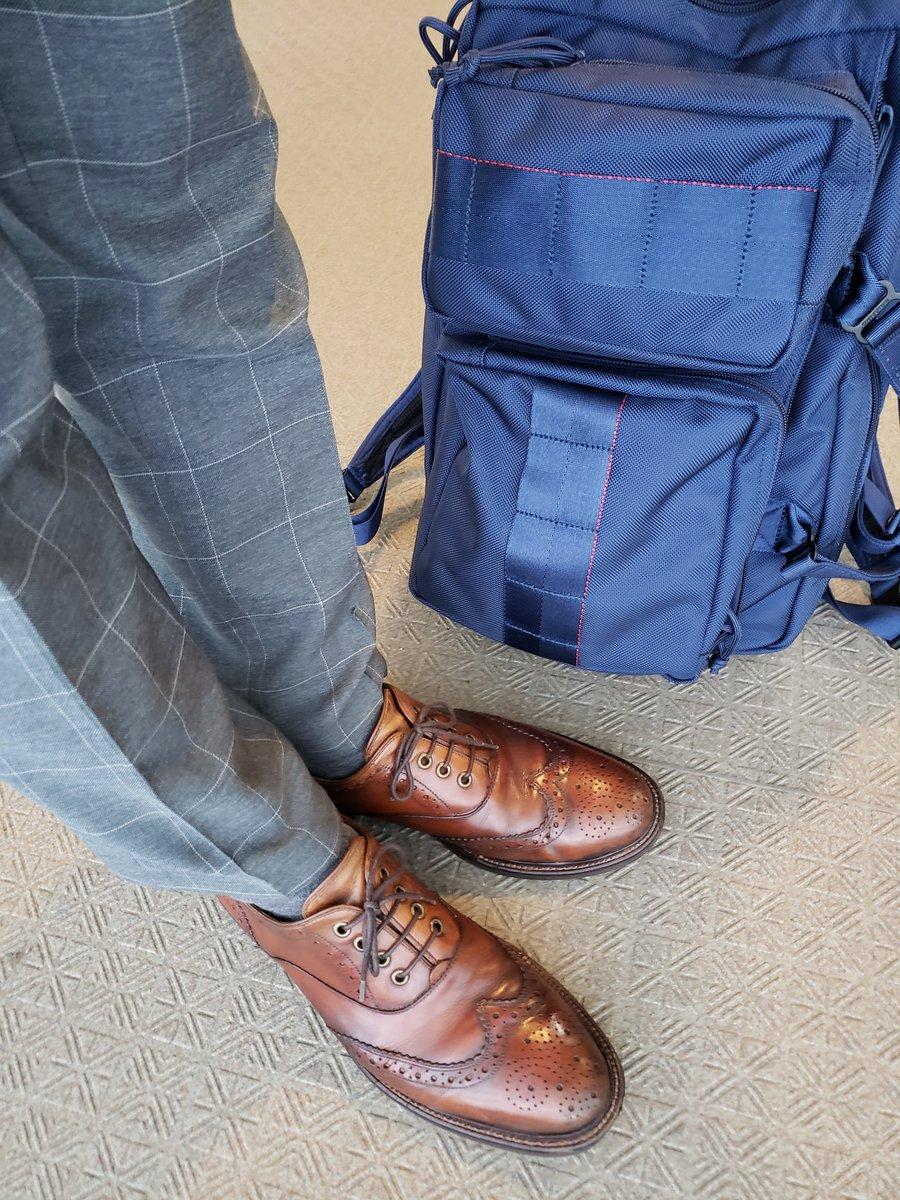 ノーブランドの靴を履いてます。 10年選手です。 ・ #nobrand #briefing  #neotrinityliner #ブリーフィング #あしもとくらぶ #あしもと倶楽部 #革靴好きと繋がりたい #足元倶楽部 #靴磨き #革靴 #一生モノ #一生モノコレクター
