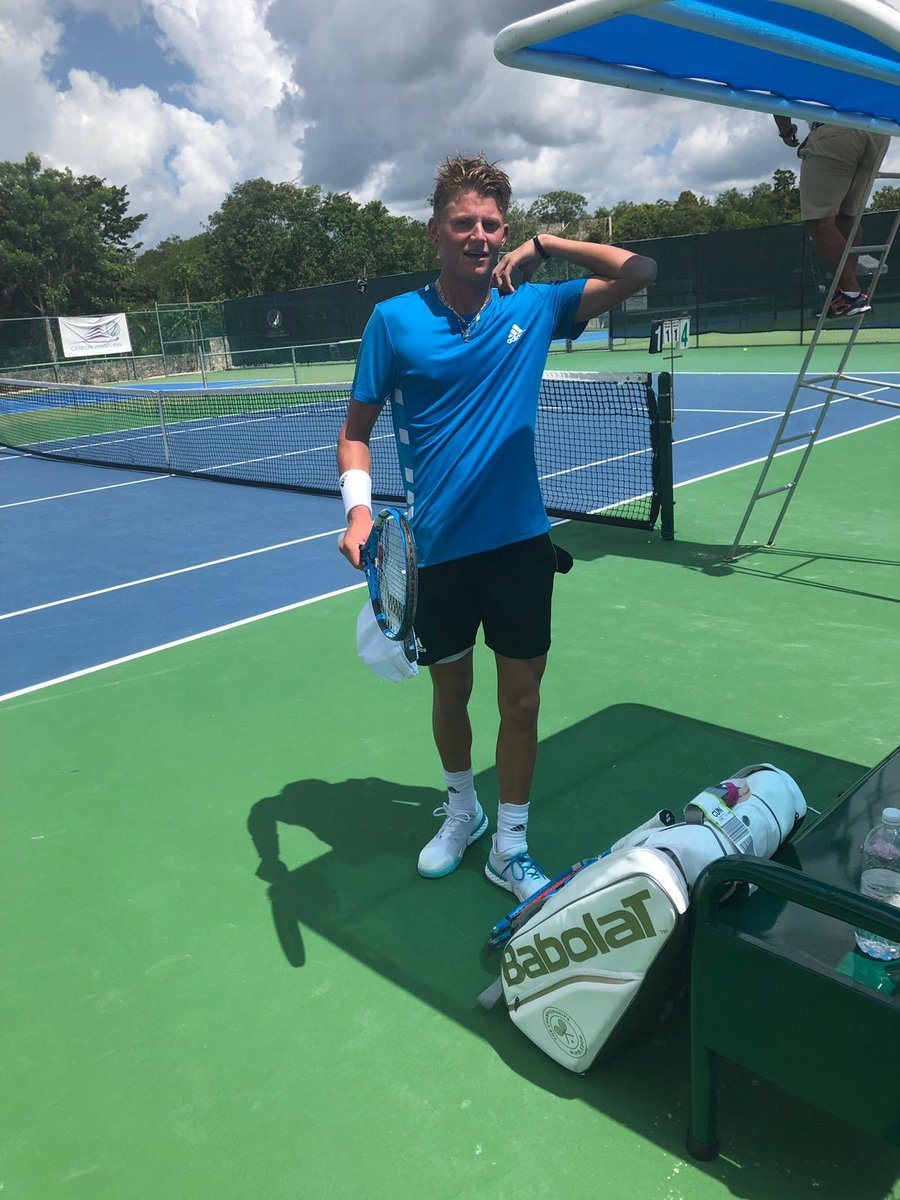 In last month: - Rep'd GB as top junior vs USA at @QueensTennis  - Played @Wimbledon  And as of today: - Played and won first ATP senior's match  Blu Baker. Watch this space...<br>http://pic.twitter.com/5kpBTaJ7BI