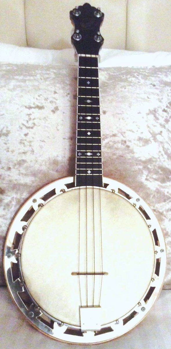 Phil Cartwright banjos