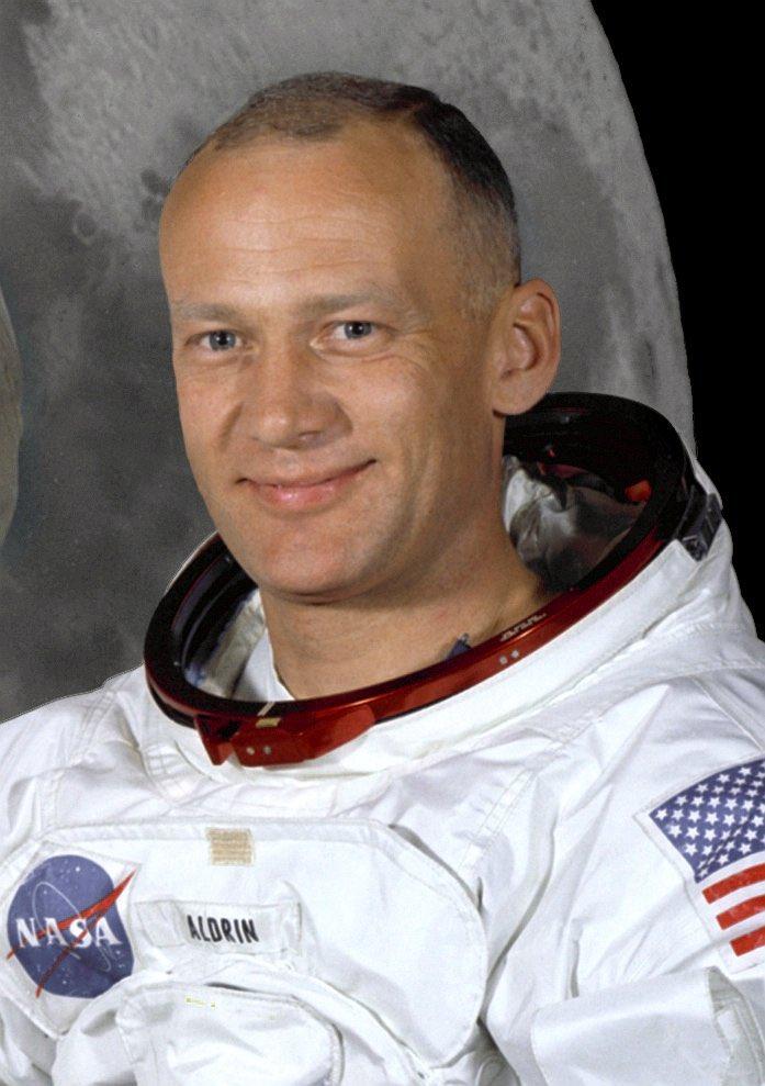 test Twitter Media - RT @drguidoknapp: Die Mutter von Buzz Aldrin, dem zweiten Mann auf dem Mond, war eine geborene Moon. https://t.co/X7roal5rDV