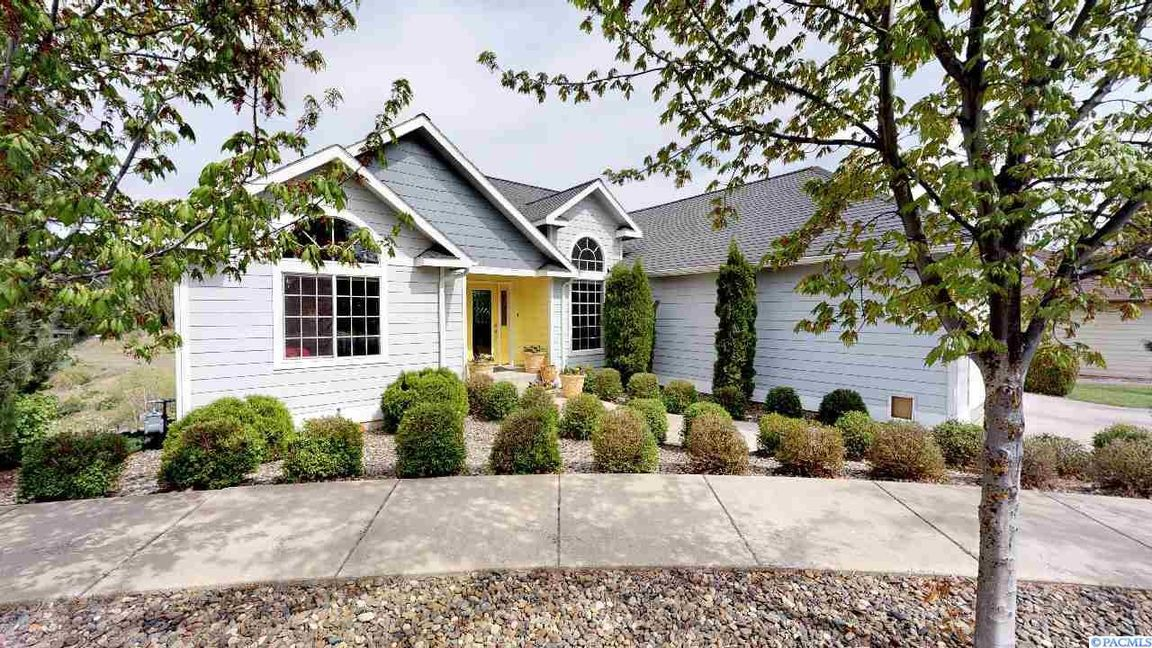 Check out our #listing in #Pullman #WA  #realestate #realtor http://tour.circlepix.com/home/5LY58L