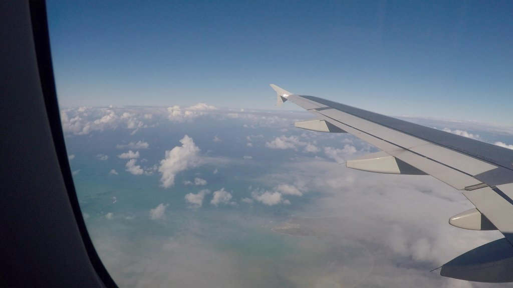 LOOK AT THAT AMAZING VIEW!   #airplanewindow #airplane #flying #sky #sky_brilliance #amazing_shots #amazingview #flying #fly #windowseat