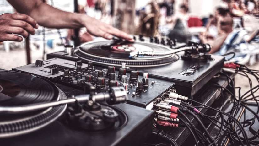 Up and Coming Djs now is your time to shine.Reply or Quote this tweet with your fav up and coming Dj so He/She can be put on.(NB: MetGala group will select two Djs from this special crop to do their thing under the event).RT to create awareness <br>http://pic.twitter.com/e8Aq8jqdh4