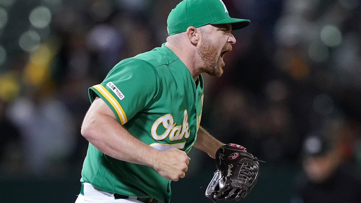 A's closer Liam Hendriks accidentally befriended Astros at All-Star Game https://t.co/0D8FIeCEvl https://t.co/UnNgGwmnXE