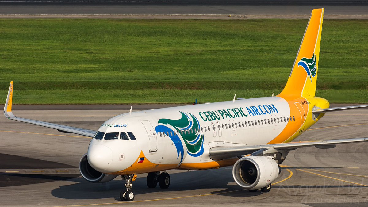 For week 3 of @JS_Spotting alphabet challenge 'C' - here is an airline we don't get to see in Europe - @CebuPacificAir @Airbus A320 seen here at Singapore @ChangiAirport #avgeek #aviaton #CebuPacific #A320 #Airbus #wemakeitfly