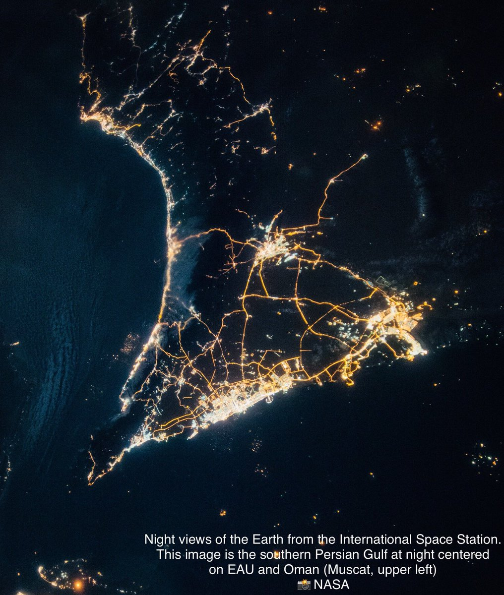 🇴🇲 Muscat ! The International Space Station is visible to the naked eye (if clouds allow) today at 7:33 pm              Tip:    ⏰        set your alarm        👩🚀 Who is now in Space? > http://www.spacefacts.de/english/e_today.htm… 📸 NASA hi-res. > https://images.nasa.gov/details-iss049e007067.html…