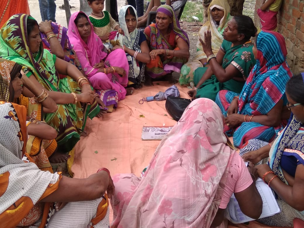 Togetherness, empathy and compassion among #SHGs make their health behaviour change inclusive and effective compared to may other approaches in health: ब्लाक भागलपुर के GP देवढी मे तीन समुह का बैठक कर बाल स्वास्थ और मनरेगा पर जागरूक कर दिया गया @RGMVP #SelfHelp  #GorakhpurRegion